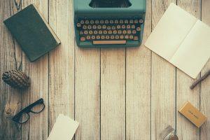 content marketing, marketing, tips, tour providers, typewriter, typing machine, wood, writing, retro