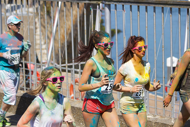 tour providers, social media, travelers, booking system, online booking, connect, tours, activity, marathon, color powder, young people, running, runners, athletes, sunglasses