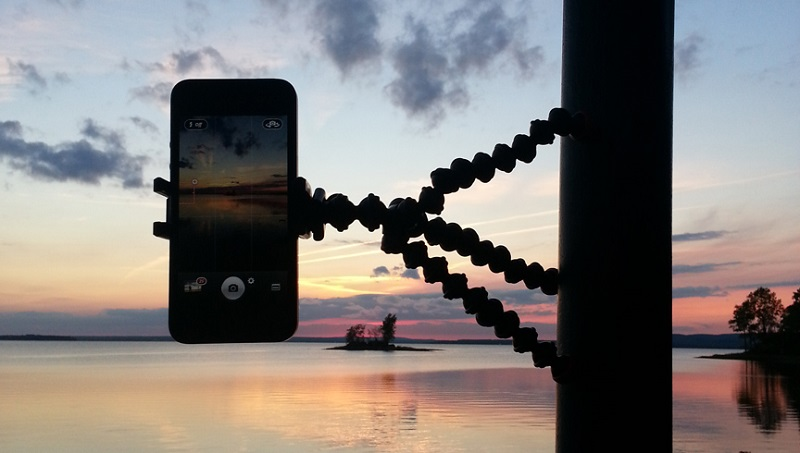 gorillapod phone, smartphone, phone, camera, picture, photos, video, filming