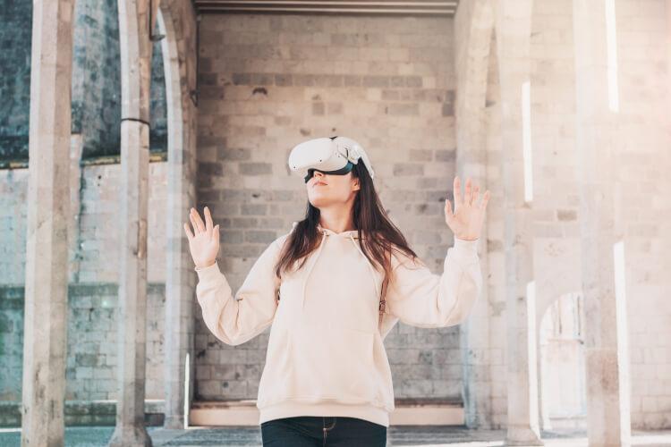 Woman wearing vr headset virtual travel concept benefits virtual reality tourism