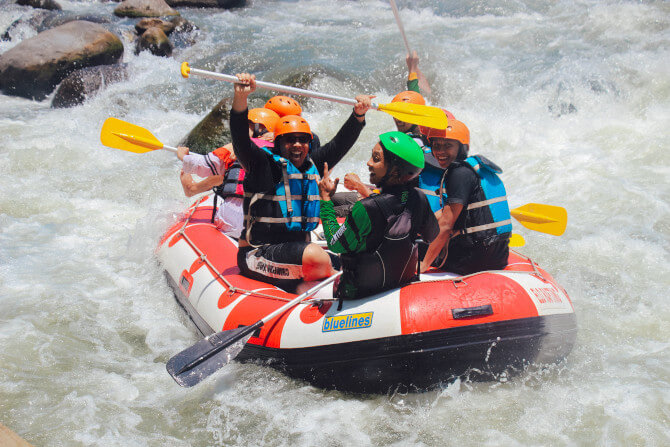 travel photography tips rafting experience